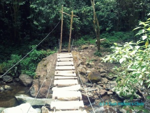 A foot bridge in the Cocora Valley